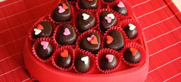 Come preparare dei cuoricini di cioccolato